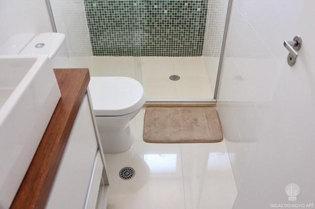 Porcelanato polido no banheiro  Dicas do Novo Apê -> Banheiro Pequeno Em Porcelanato